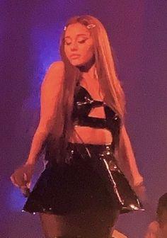 Ariana Grande Baby, Ariana Grande Photoshoot, Ariana Grande Music Videos, Ariana Grande Pictures, Ariana Grande Background, Ariana Tour, Beautiful Person, Celebs, Celebrities
