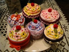 Cupcake Pin Cushions - Too Cute!