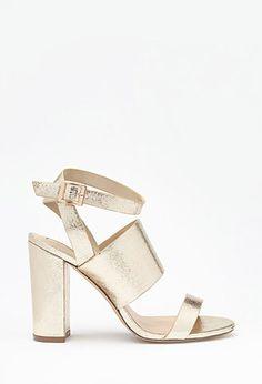 PEDIDOS SOLO POR ENCARGO Código: F-20 Crackled Metallic Sandals Color: Gold Talla: 6-7-8-9-10 Precio: ₡31.900 ($59,07)  Información y consulta llamar 8963-3317, escribir al inbox o maya.boutique@hotmail.com.  Envíos a todo el país.