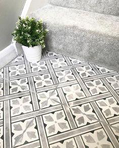 hallway flooring Flooring idea for downstairs toilet Hall Tiles, Tiled Hallway, Tiled Staircase, Hall Flooring, Kitchen Flooring, Ceramic Flooring, Flooring Ideas, Entryway Flooring, Modern Flooring