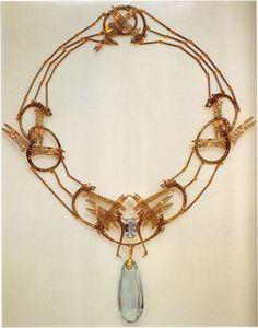 Rene LALIQUE necklace  (hva)