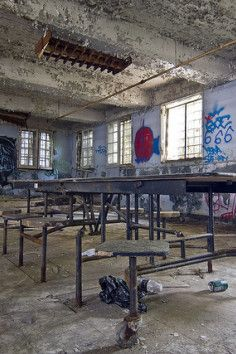 Atlanta Prison Farm relates to Business in Atlanta. Plan your road trip to Atlanta Prison Farm in GA with Roadtrippers. Abandoned Prisons, Abandoned Buildings, Abandoned Places, Old Hospital, Abandoned Hospital, Haunted Prison, Beautiful Homes, Beautiful Places, Urban Exploration
