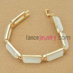 Nice chain bracelet with cat eye beads decorated