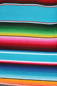 Mexican Blankets Are Examples Of Ancient Style 3 - Diyjoy Mexican Rug, Mexican Colors, Mexican Party, Mexican Style, Mexican Fabric, Mexican American, Mexican Pattern, Mexico Art, Mexican Designs