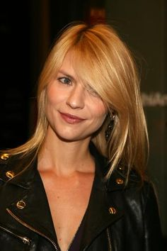 Claire Danes' buttery #blonde color leaves her glowing. Check out more great #hair colors here