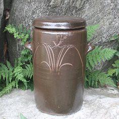 옹기 Fermenting Jars, Stoneware, House Ideas, Ceramics, Home Decor, Ceramica, Pottery, Decoration Home, Room Decor