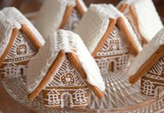 tak ještě minichaloupky ☺ #gingerbreadcookies #gingerbread #gingerbreadhouse #pernicky #pernikovachaloupka #honeycake #christmascookies #christmasbaking #christmas2018 #vanoce2018 #cukrovi #instabake #baking #peceni #bakingmom #homebaker #homebaked #lovebaking #instabake #foodie #foodlover #foodpics #foodphotography #yummy #czech #czechrepublic #avecplaisircz Christmas Baking, Christmas Cookies, Honey Cake, Food Pictures, Gingerbread Cookies, Food Photography, Xmas Cookies, Gingerbread Cupcakes, Christmas Crack
