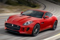 Jaguar F-Type Coupé R, col tetto guadagna in tutto - Test di Auto in anteprima #jaguar  http://www.auto.it/2014/01/11/jaguar-f-type-coupe-r-col-tetto-guadagna-in-tutto/17970/