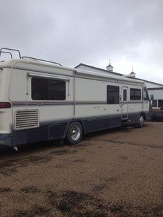 1990 Holiday Rambler Limited http://www.rvregistry.com/used-rv/1007077.htm