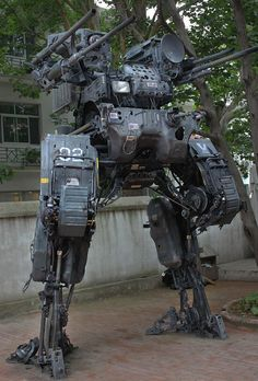 Who would be a worthy opponent for this Giant Robot Mech? Mobile Armored Tactical Platform (MA-TP) by Chinese mech sculptor ProgV who made it from his dad's old Nissan truck. Arte Sci Fi, Sci Fi Art, Robot Concept Art, Armor Concept, Cyberpunk, Military Robot, Nissan Trucks, Arte Robot, Mekka