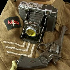 The Army Film and Photographic Unit (AFPU) was founded in 1942. Their stills photographers were normally issued with Zeiss Super Ikonta