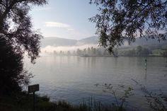 Wer den Kopf frei bekommen möchte, sollte Fahrrad fahren. Am besten Langstrecke, im Herbst und über mehrere Tage. Selbst für Ungeübte geeignet ist dabei der Donau-Radweg von Passau nach Wien - ein Trip wie ein Heimatfilm.
