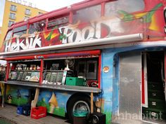 Hektikfood is a cafe transformed from a vintage British double-decker bus in East Berlin. Foodtrucks Ideas, Mobile Kiosk, Food Truck Catering, Mobile Food Trucks, Converted Bus, Astroturf, Big Red Bus, Sun Roof, Double Decker Bus