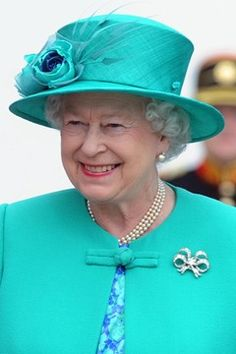Queen Elizabeth II Brooch And Brooches Collection