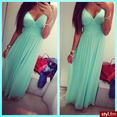 FAB dress....Luv the color!!