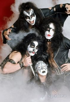 KISS- The Early Days: first album photo shoot...