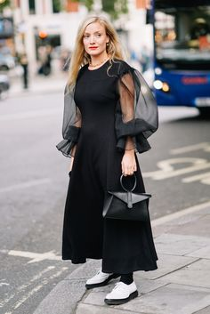 The Street Style Looks You'll Want To Steal From London Fashion Week SS18 - Street style SS18 London Fashion Week from InStyle.com