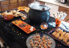 How to Throw the Perfect Halloween Party! | eBay