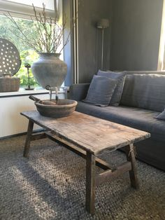 Salontafel van oud hout Wabi Sabi, Driftwood Furniture, Belgian Style, Decoration, Home Projects, Sweet Home, Rustic, Mansions, Living Room