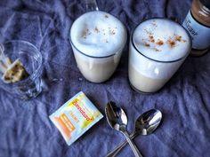 Vegan Chai Latte. Zelf chai latte maken is helemaal niet moeilijk en met dit recept voor chai tea latte wil ik je dat laten zien. Een super snelle chai tea latte die ook nog gezond is. Het recept vind je op organichappiness.nl of via de knop 'bezoeken'.