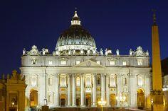 Giubileo, le fotografie di McCurry e Salgado illuminano San Pietro