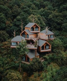 Architecture Cool, Treehouse Cabins, Free Shed Plans, Cabin In The Woods, Tree House Designs, House Rooms, Hangzhou, Future House, Tiny House