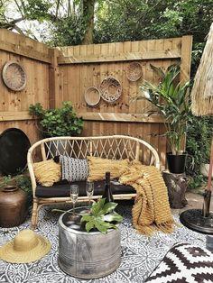 Backyard Patio Designs, Backyard Landscaping, Boho Garden Ideas, Hippie Garden, Boho Stil, Small Garden Design, Bohemian Interior, Bohemian Patio, Outdoor Living