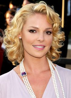 Katherine Heigl. I just love her on Greys anatomy. And almost everything else ❤