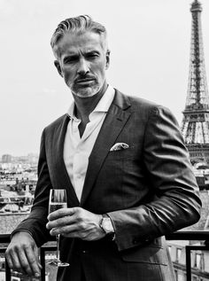 Discover recipes, home ideas, style inspiration and other ideas to try. Older Men Haircuts, Stylish Mens Haircuts, Older Mens Hairstyles, Stylish Mens Outfits, Men's Haircuts, Smart Casual Menswear, Men Casual, Stylish Men Over 50, Stylish Man