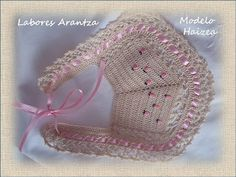 Handmade by Arantza Rivas Crochet Baby Bibs, Crochet Baby Clothes, Diy Crochet, Crochet Crafts, Knitting For Kids, Crochet For Kids, Baby Knitting, Crochet Designs, Crochet Patterns