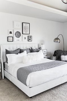 32 Beautiful Bedroom Decor Ideas for Compact Departments; For smart small apartment decorating ideas on a budget, look to accessories. bedroom decor ideas for teens. Gallery Wall Bedroom, Room Ideas Bedroom, Small Room Bedroom, Home Decor Bedroom, Teen Bedroom, Master Bedroom, White Bedroom Decor, Girl Bedrooms, Gray Room Decor