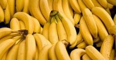 Everyone should eat bananas as it has been proved that this fruit can solve some health issues better than medicines. Moreover, bananas are loaded with. Healthy Tips, Healthy Snacks, Healthy Eating, Healthy Recipes, Healthiest Snacks, Banana Health Benefits, High Carb Foods, Bloated Belly, Lose Weight