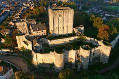 La Cité Royale de Loches et son donjon, à seulement 20 minutes de Montrésor.