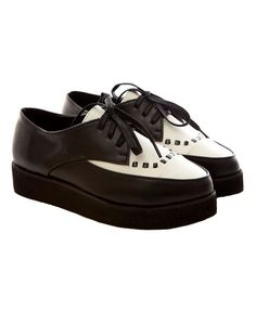 Point Lace Up Flatform Shoes with Color Block Design