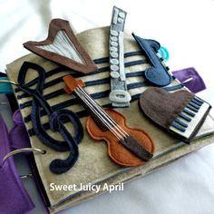 Musikalischen ausrichten ruhigen Buchseite von SweetJuicyApril