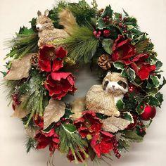 Woodland animal wreath. Woodland Animals, How To Make Wreaths, Christmas Wreaths, Forest Animals, Christmas Swags, Holiday Burlap Wreath, Christmas Garlands