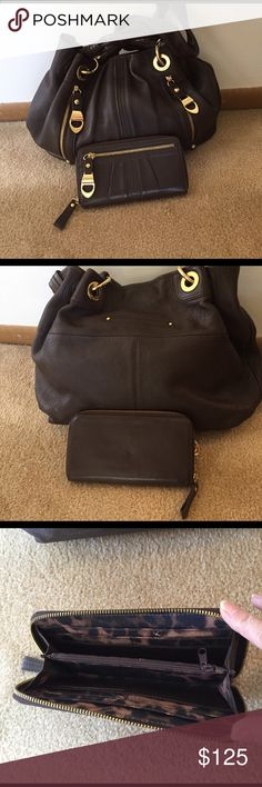 B Makowsky Satchel NWOT Beautiful large chocolate brown Satchel. Matching wallet. Can sell separately. NWOT. Genuine pebbles leather B Makowsky Bags Satchels