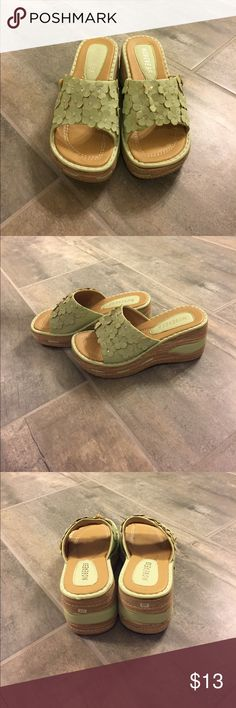 New Mint Flower Platform Shoes Never worn. No size shown but wears like a 7. Shoes Platforms