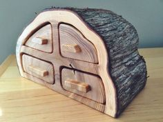 This large cedar bandsaw box was crafted from the same log as the cedar coasters… Bandsaw Projects, Log Projects, Wooden Crafts, Diy Wood Projects, Woodworking Box, Woodworking Projects, Coaster Furniture, Wood Furniture, Wooden Jewelry Boxes