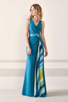 30 vestidos de festa com padrões geométricos #vestido #vestidodeconvidada #convidadas #moda #modanupcial #look #tendencias #fashion #dress #dresses #tendencias2019 #moda2019 #casamentos #casamentos2019 #wedding