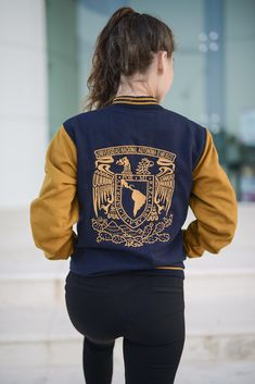 Varsity Jacket Outfit, Hoodie Jacket, Bomber Jacket, Cute Casual Outfits, Simple Outfits, Kids Outfits, Senior Jackets, Old School Fashion, Jacket Style