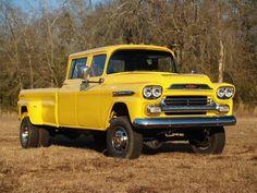 Judd's 1959 Chevrolet Apache Crew cab