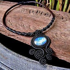Macrame-Choker-Necklace-Pendant-Cabochon-Moonstone-Leather-Waxed-Cord-Handmade