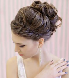 These wedding hairstyles are done with the perfect amount of glamour and sophistication. The elegant updos flatter any wedding dress and the bold curls add a gorgeous touch to a simpler look. The added embellishments and flower details also give these hai Elegant Wedding Hair, Elegant Updo, Wedding Hair Flowers, Wedding Hair And Makeup, Wedding Updo, Hair Makeup, Wedding Dress, Prom Updo, Trendy Wedding