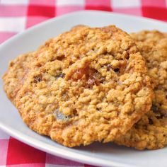 Apricot Raisin Five Spice Oatmeal Cookies - this is a very flavourful and fragrant twist on a traditional oatmeal raising cookie.