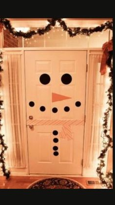 How to make a snowman door and other easy DIY Christmas decorations! How to make a snowman door and other easy DIY Christmas decorations! Easy Holiday Decorations, Holiday Crafts, Holiday Fun, Holiday Ideas, Thanksgiving Holiday, Holiday Quote, Garage Door Christmas Decorations, Snowman Decorations, Christmas Decorations For Classroom