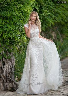 Dazzling Wedding dresses to ponder, check the eye pleasing pin style id 9125277038 Fancy Wedding Dresses, Perfect Wedding Dress, Designer Wedding Dresses, Bridal Dresses, Wedding Gowns, Bridesmaid Dresses, Maya Fashion, Vestidos Sexy, The Bride