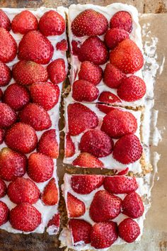 Deser z kremem mascarpone (6 składników) Strawberry, Fruit, Food, Mascarpone, Essen, Strawberry Fruit, Meals, Strawberries, Yemek