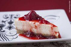 Saatore Restaurante (almoço e jantar) Cheesecake com calda de frutas vermelhas