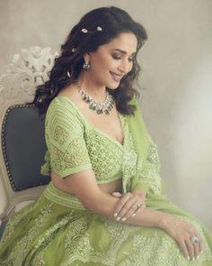 Madhuri Dixit Nene in torani lehenga for Dance deewane 3 Bollywood Lehenga, Lengha Choli, Net Lehenga, Bollywood Stars, Bollywood Fashion, Heavy Lehenga, Anarkali, Sarees, Beautiful Bollywood Actress